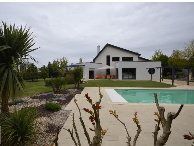Sale house / villa Cholet 967 000€ - Picture 1