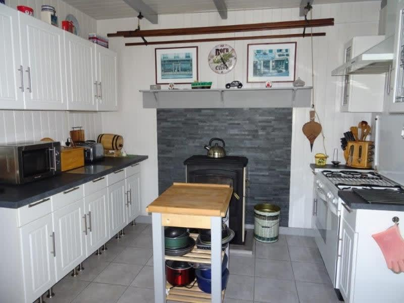 Sale house / villa Plougonver 128400€ - Picture 4