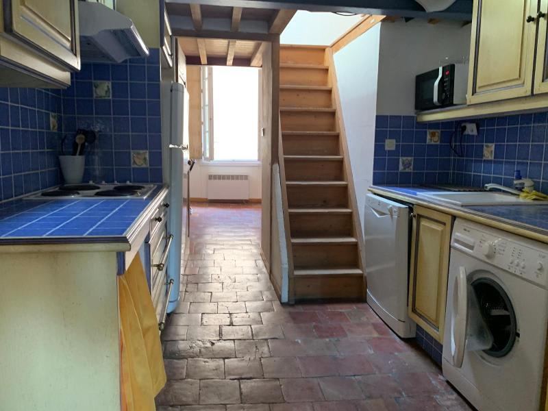 Rental apartment Aix en provence 895€ CC - Picture 3