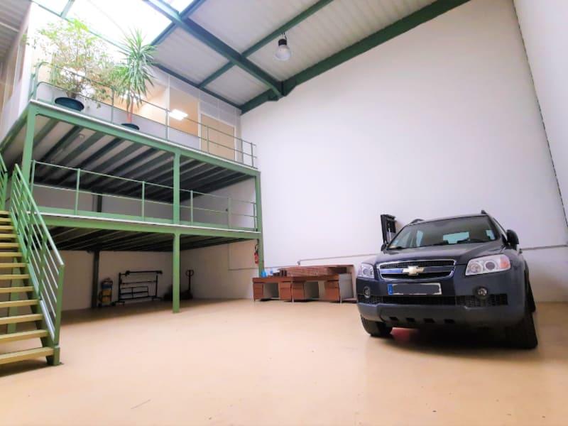 Local commercial Saint Ouen L Aumone 10 pièce(s) 330 m2