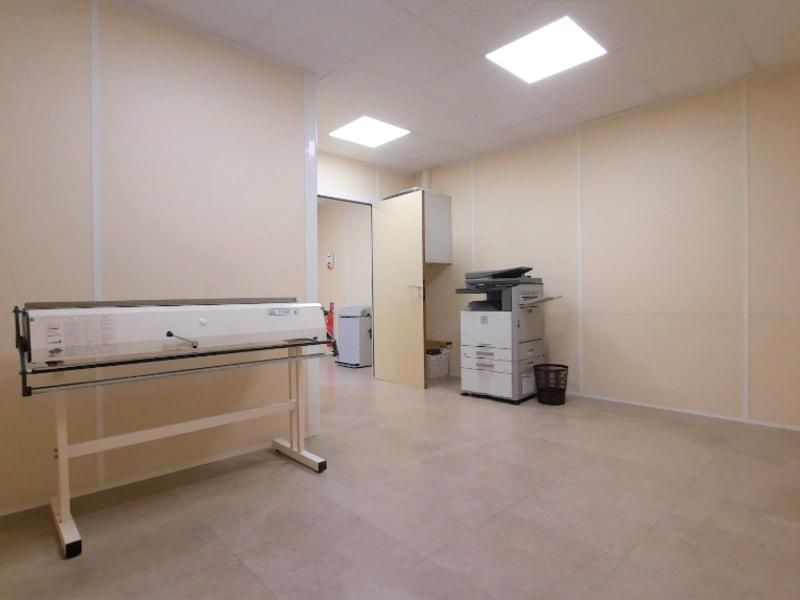Rental empty room/storage Saint ouen l aumone 2491,66€ HC - Picture 7