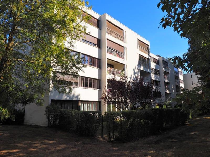 Sale apartment Vaux le penil 139000€ - Picture 1