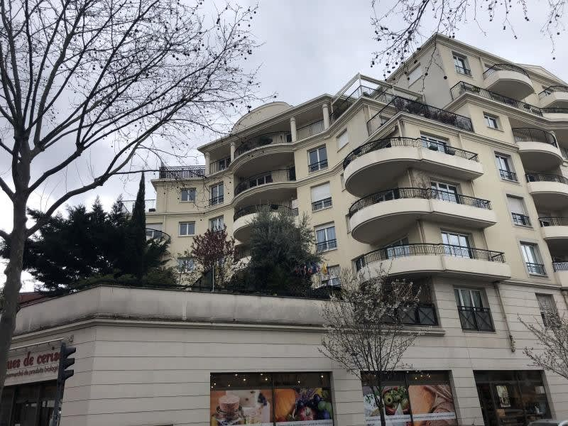 Rental apartment Issy les moulineaux 1421€ CC - Picture 1
