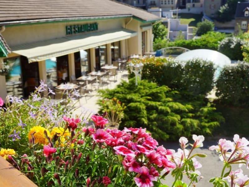 Commercial property sale shop La mure 1295000€ - Picture 1