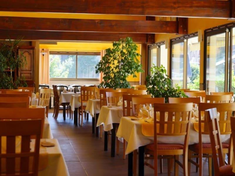 Commercial property sale shop La mure 1295000€ - Picture 9