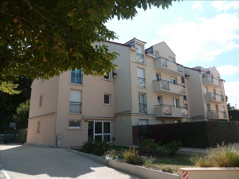 Rental apartment Poissy 842,66€ CC - Picture 1