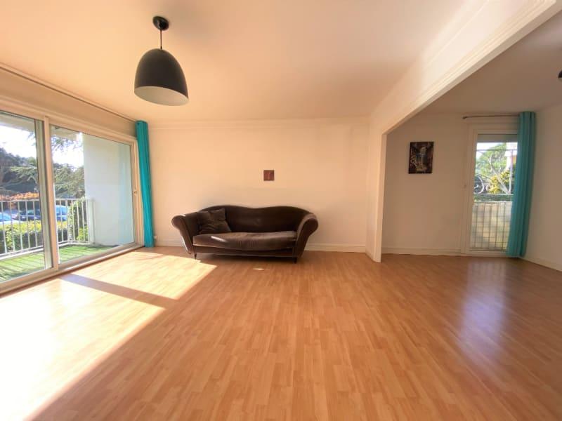 Sale apartment Villeneuve les avignon 235000€ - Picture 2
