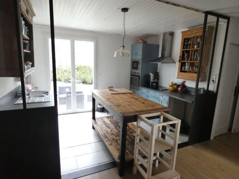Sale house / villa Saint saturnin sur loire 246750€ - Picture 3