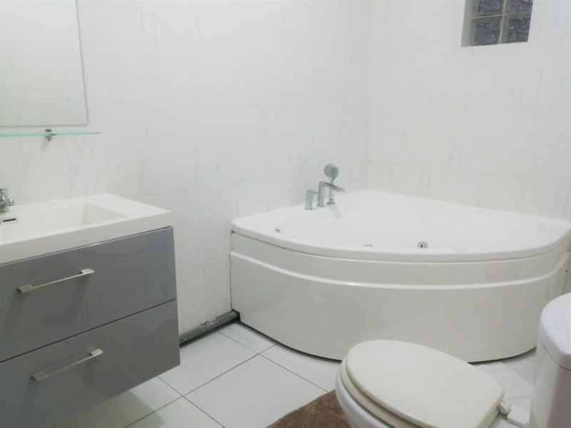 Location appartement Sainte anne 700€ CC - Photo 4