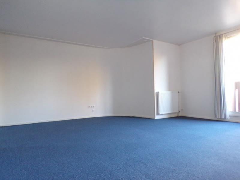 Alquiler  apartamento Montigny le bretonneux 980€ CC - Fotografía 2