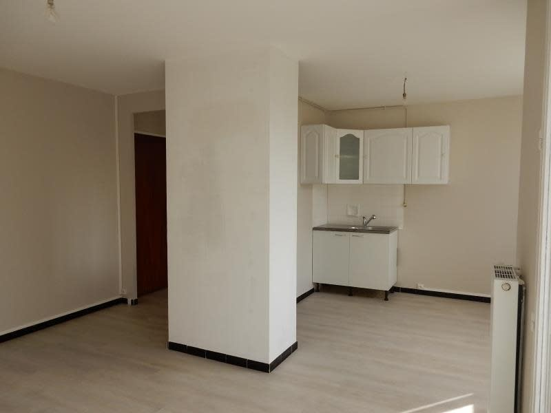 Rental apartment St martin d heres 599€ CC - Picture 2