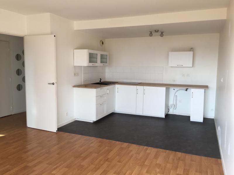 Rental apartment Lannilis 480€ CC - Picture 1