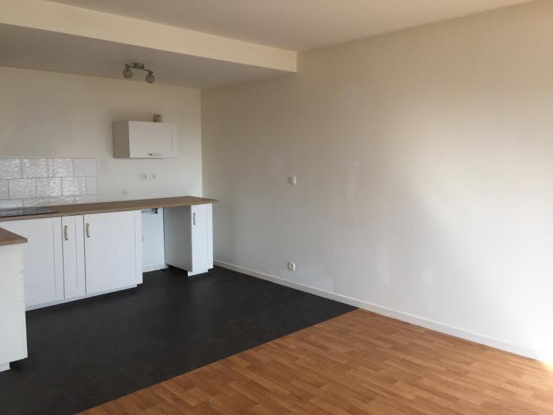 Rental apartment Lannilis 480€ CC - Picture 2