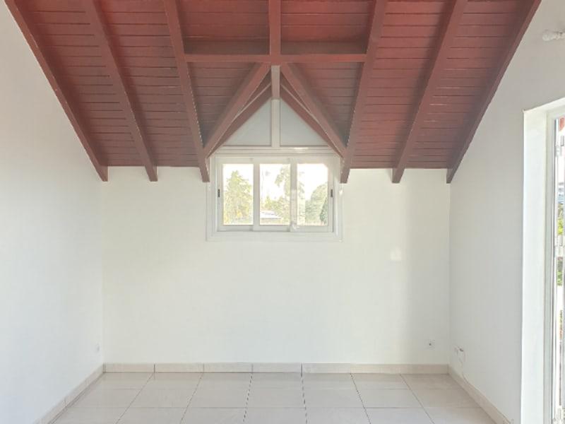 Location maison / villa Les abymes 620€ CC - Photo 2