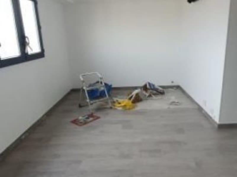 Sale apartment Villemomble 132000€ - Picture 1