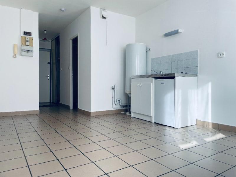 Rental apartment Famars 345€ CC - Picture 3