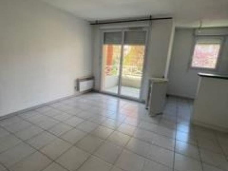 Rental apartment Seilh 525,92€ CC - Picture 3