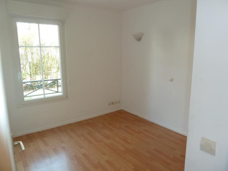 Rental apartment Carrieres sous poissy 965€ CC - Picture 6