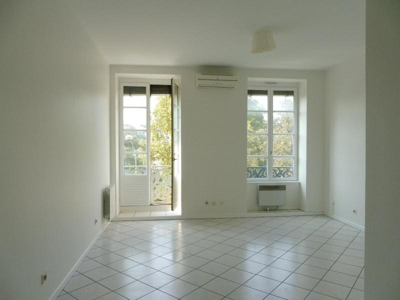 Location appartement Lyon 2ème 1 234€ CC - Photo 3