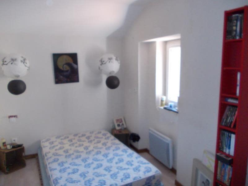 Sale house / villa St martin d estreaux 72000€ - Picture 4