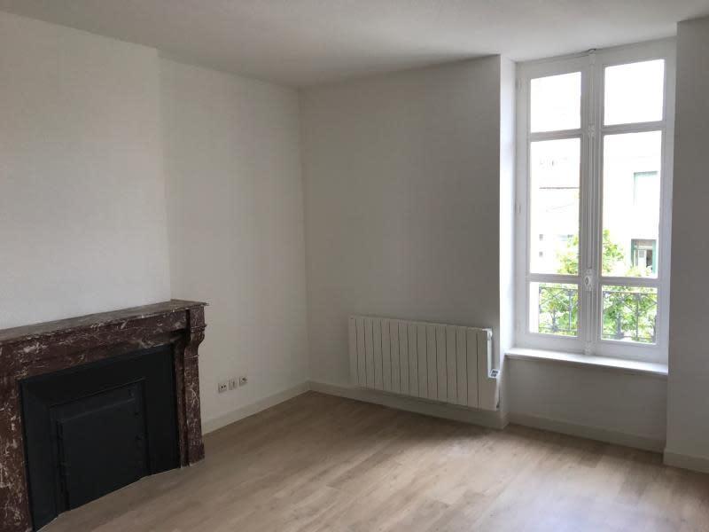 Rental apartment Roanne 272€ CC - Picture 1