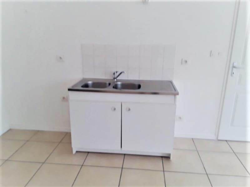 Location appartement Chazay d azergues 650€ CC - Photo 2