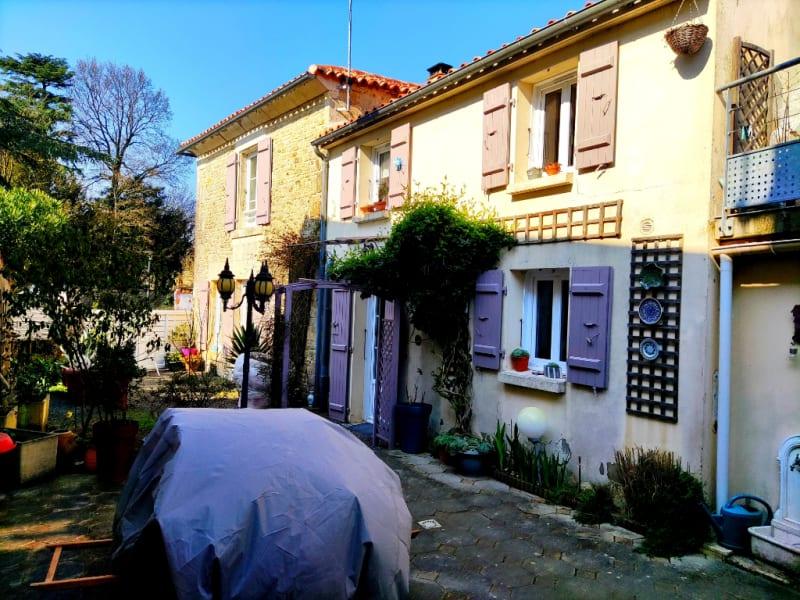 Maison Fontenay le Comte proche 4 pièce(s) 111 m2