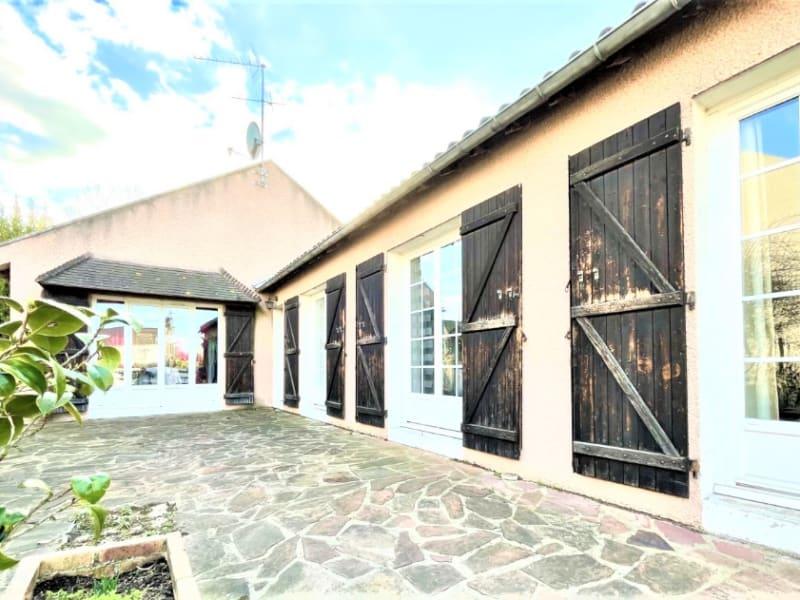 Sale house / villa Osny 419000€ - Picture 1