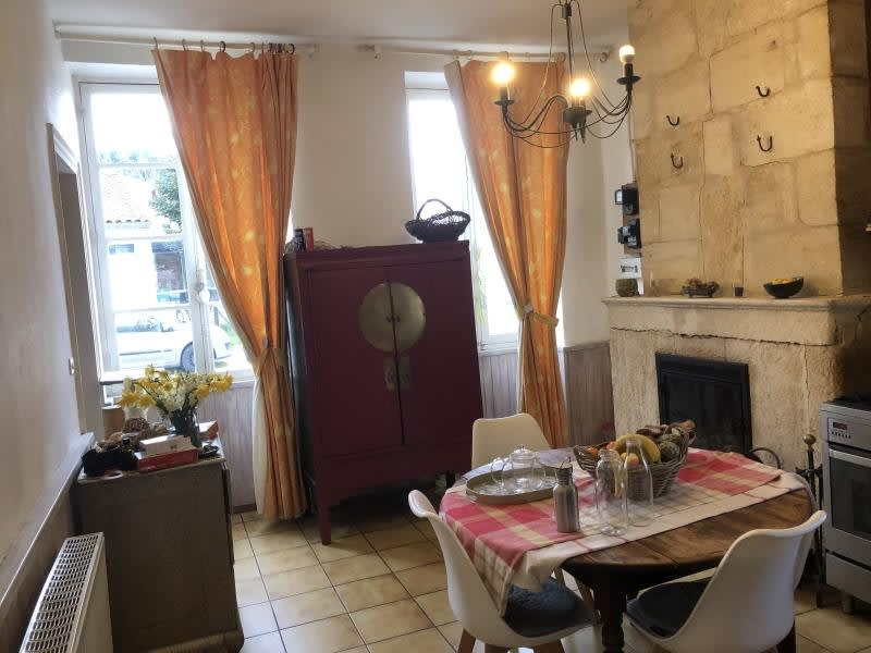 Sale house / villa Lamarque 208000€ - Picture 1