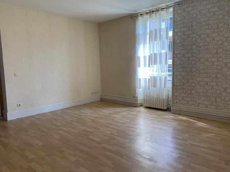Rental apartment Ste colombe 710€ CC - Picture 1