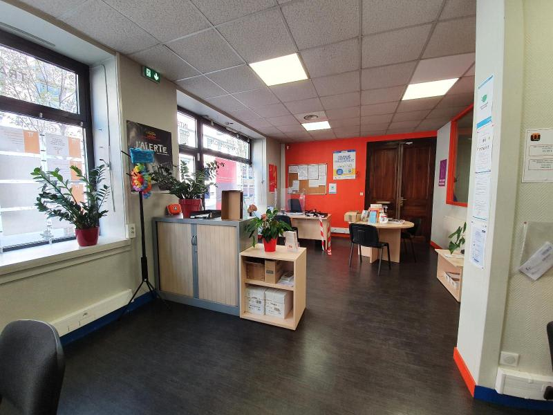 Location local commercial Grenoble 1 814€ HC - Photo 4