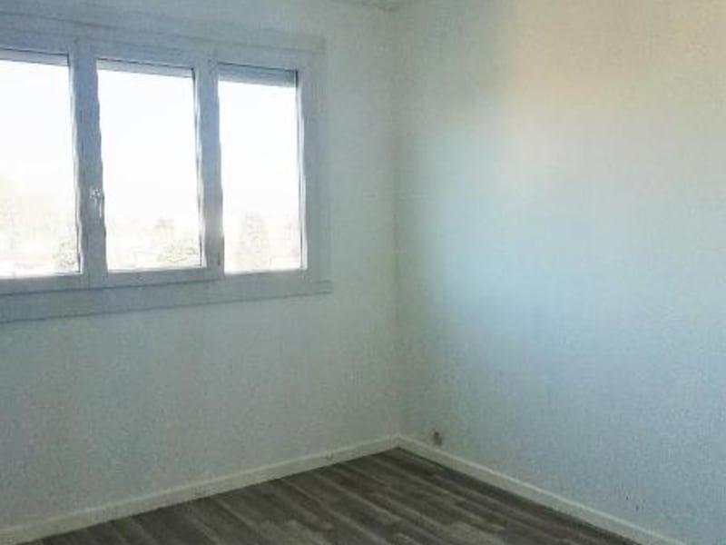 Location appartement Meyzieu 1080€ CC - Photo 4
