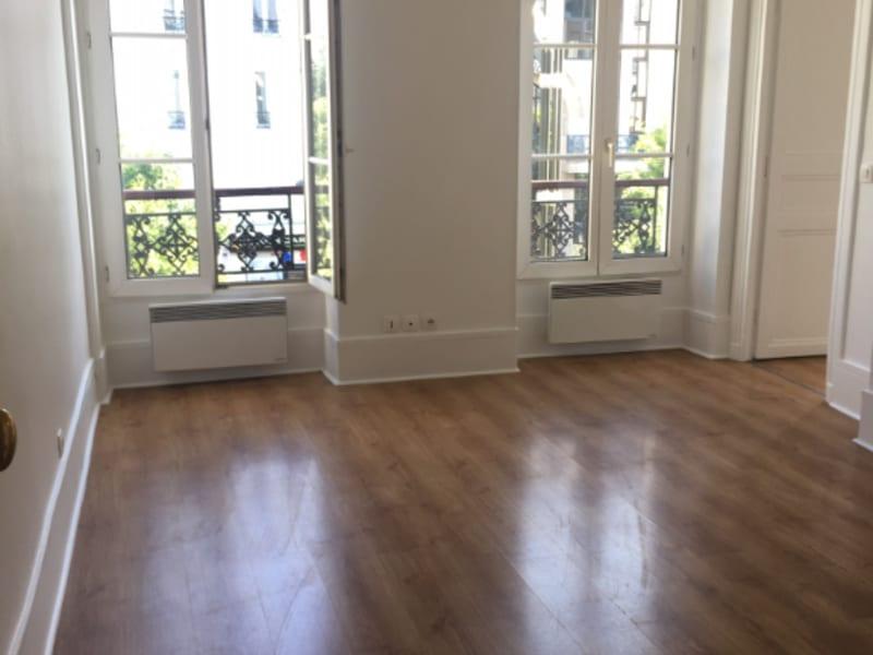 Location appartement Levallois perret 1295€ CC - Photo 2