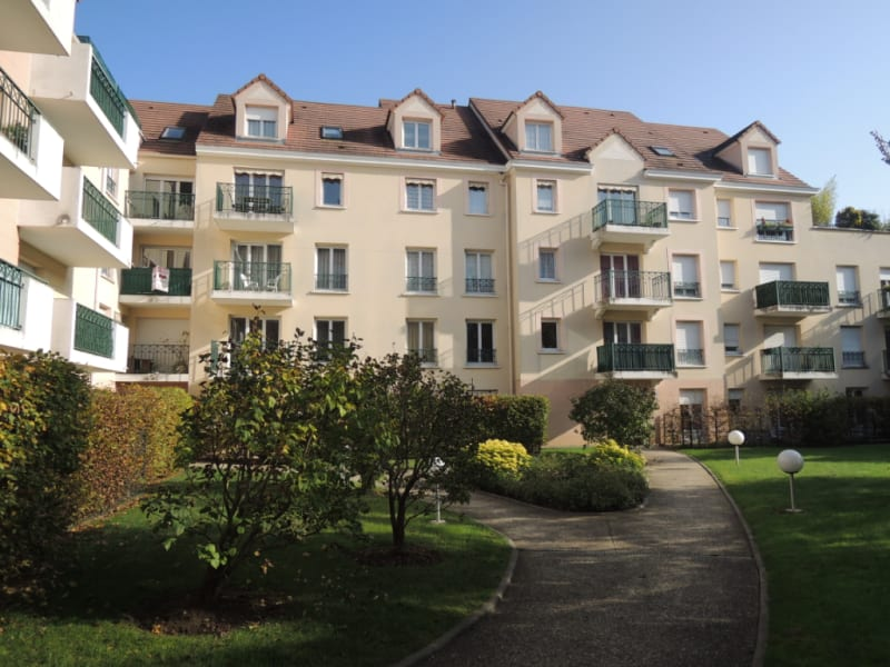 Sale apartment Poissy 299000€ - Picture 1