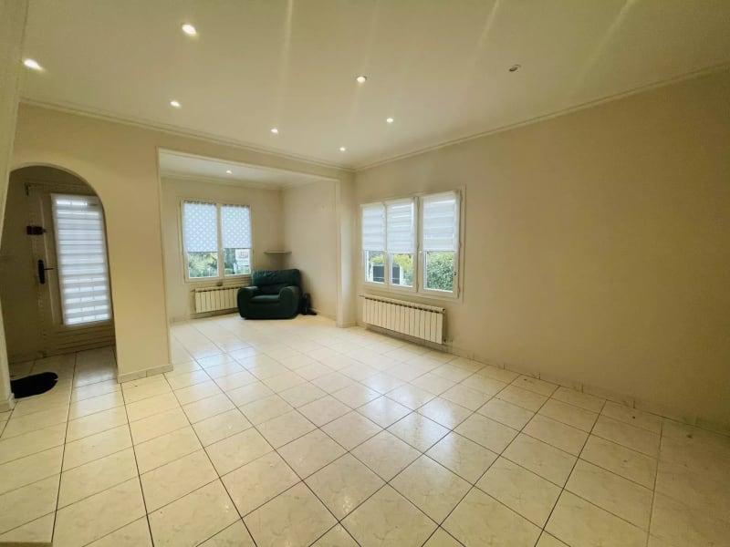 Sale house / villa Neuilly-plaisance 275000€ - Picture 2