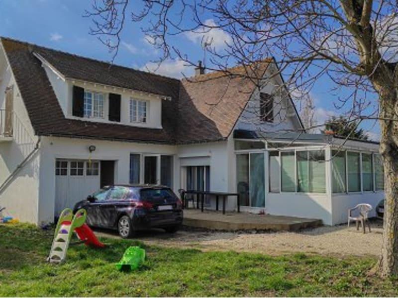 Sale house / villa Houdan 250800€ - Picture 1