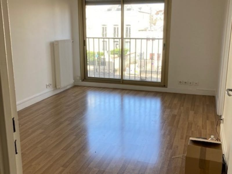 Location appartement Courbevoie 1 107€ CC - Photo 2