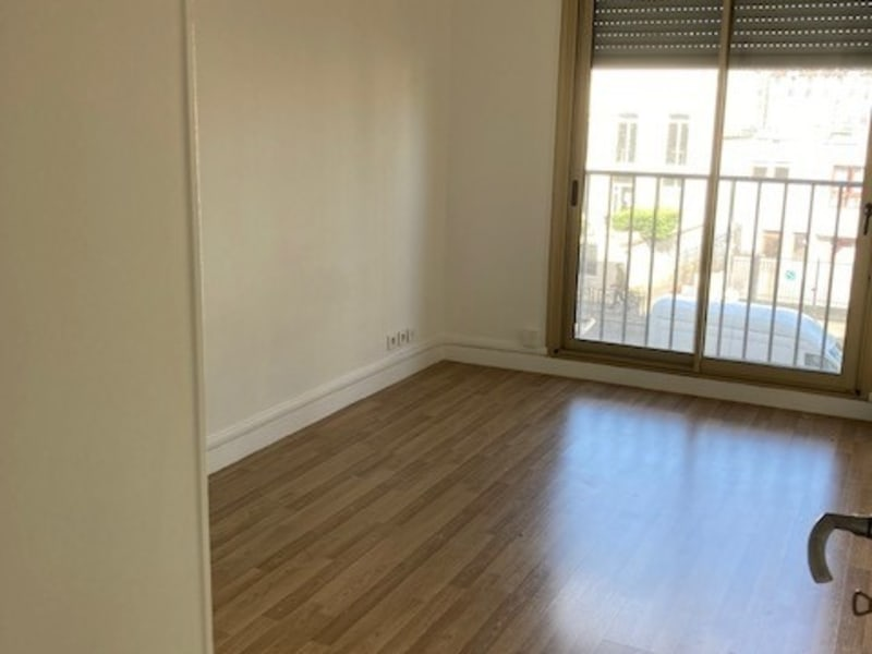 Location appartement Courbevoie 1 107€ CC - Photo 5