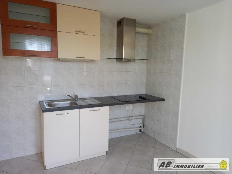 Rental apartment Poissy 682€ CC - Picture 3