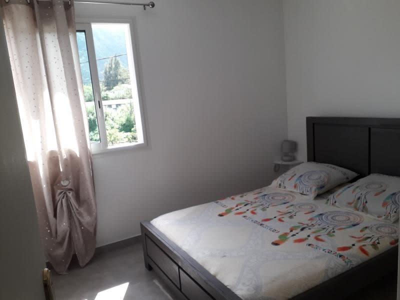 Rental house / villa La possession 1090€ CC - Picture 9