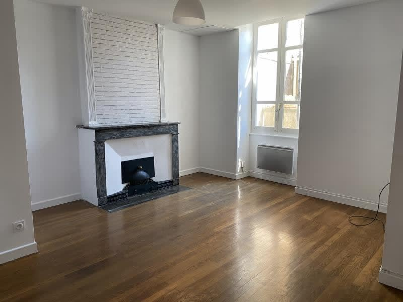 Rental apartment Ste colombe 630€ CC - Picture 1