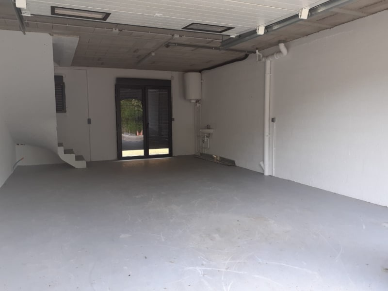 Location local commercial Osny 8 640€ HC - Photo 4