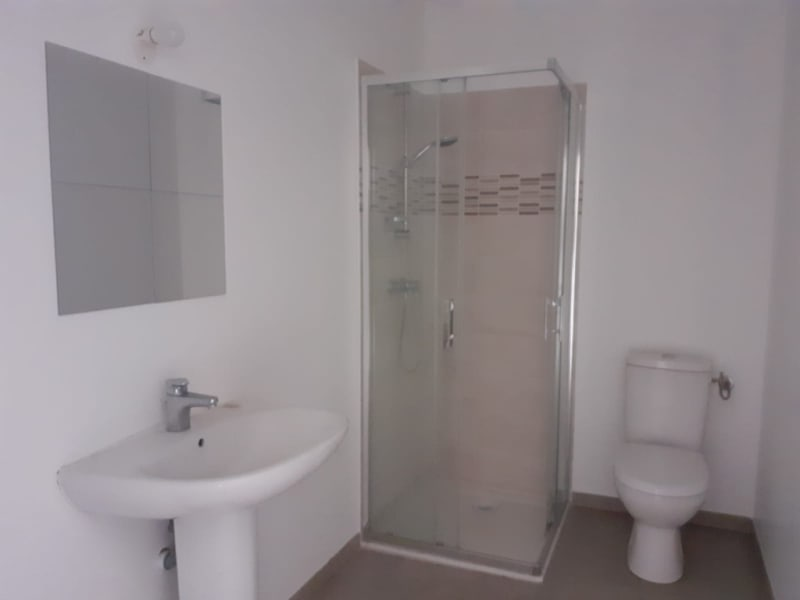 Location local commercial Osny 8 640€ HC - Photo 6