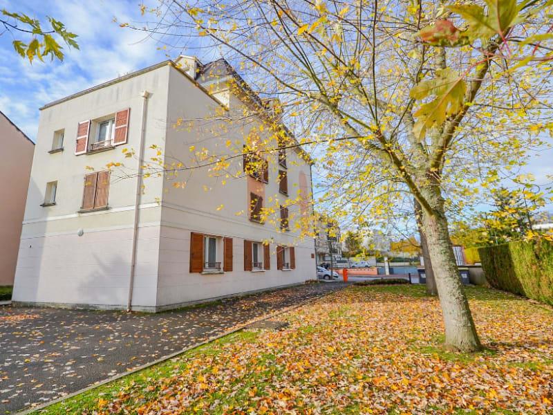 Rental apartment Les clayes sous bois 770€ CC - Picture 1