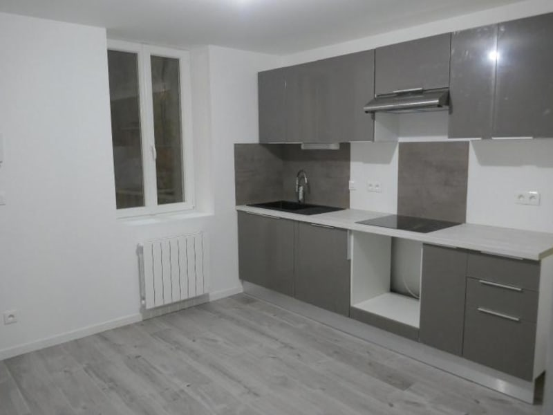 Rental apartment Nantua 540€ CC - Picture 1