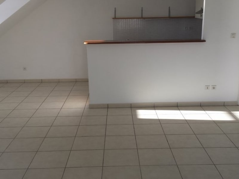 Location appartement Ste clotilde 833€ CC - Photo 5