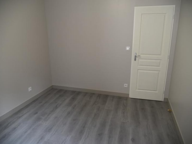 Location appartement Nantua 510,50€ CC - Photo 8