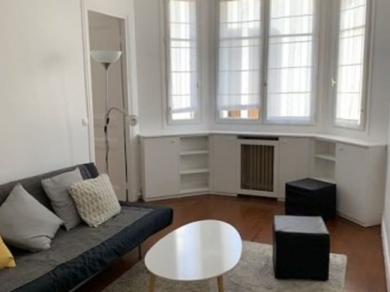 Rental apartment Paris 15ème 1 211€ CC - Picture 1