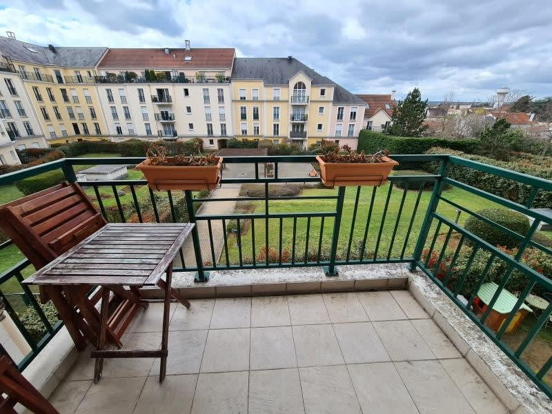 Location appartement Chatou 1260€ CC - Photo 1
