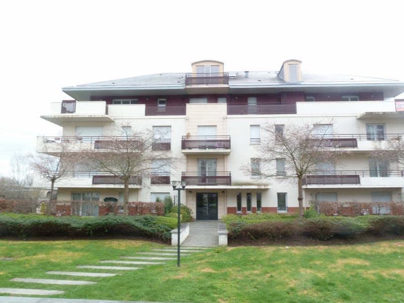 Rental apartment Carrieres sous poissy 779,68€ CC - Picture 1